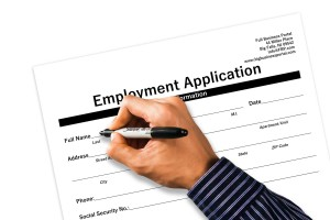 application-1915345_1920